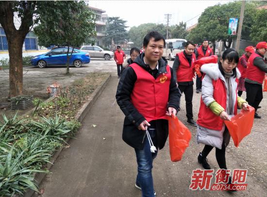 新矿村社区联合市福利院开展志愿者服务活动