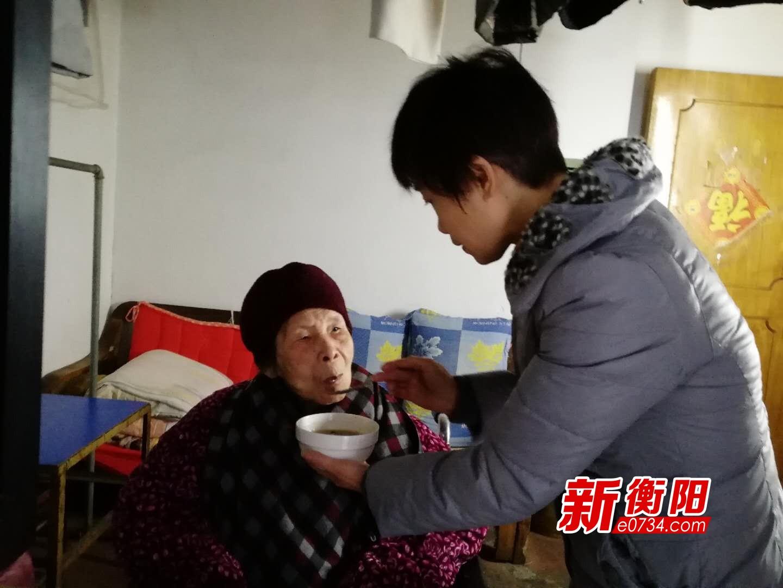 身边雷锋・衡阳好人:谢珍照顾脑梗婆婆6年如一日