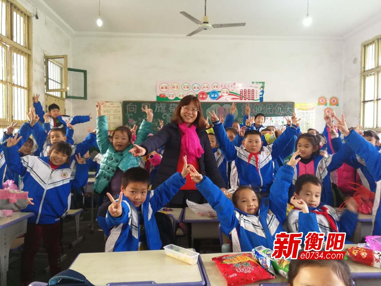 女教师姚健:平凡的岗位上奉献对教育的炽爱