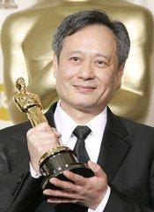 李安获美国导演工会终身成就奖,被赞是传奇,谁知他一点也不惊讶!