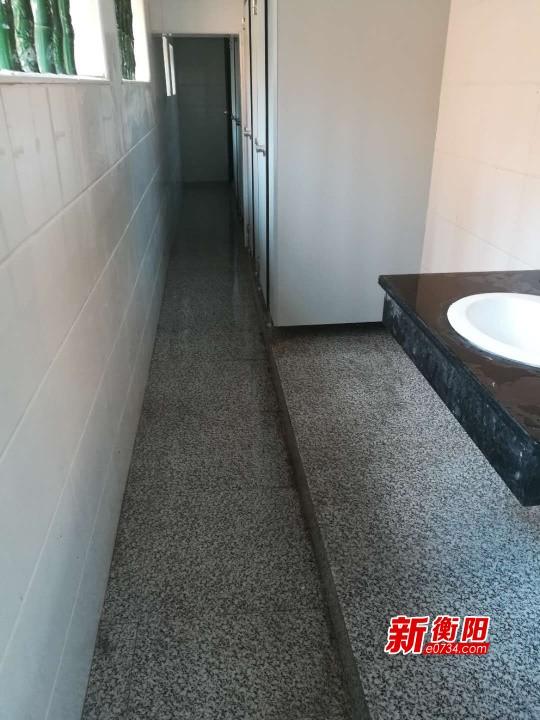雁峰区粮机家属区73户居民入厕问题终于解决啦!