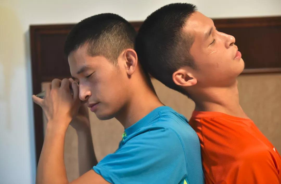 帅气双胞胎从小失明,却成为全国冠军!他们还有更大的梦想……