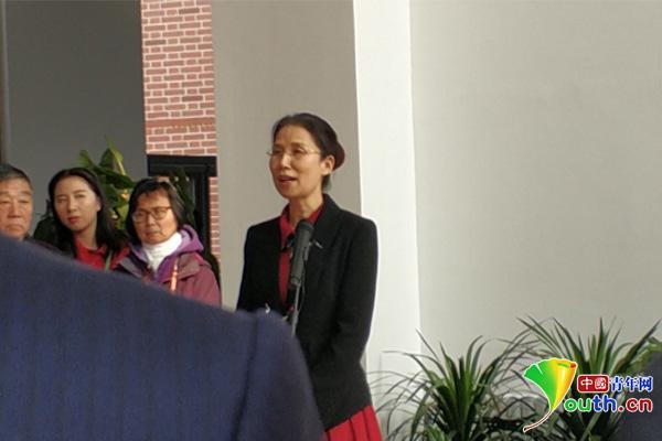 """杨佳追忆恩师李佩:她教会我""""别问国家能为你做些什么,要问你能为国家做些什么"""""""