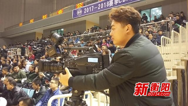 【记者·记着】我手里的相机和笔就是市民的眼睛