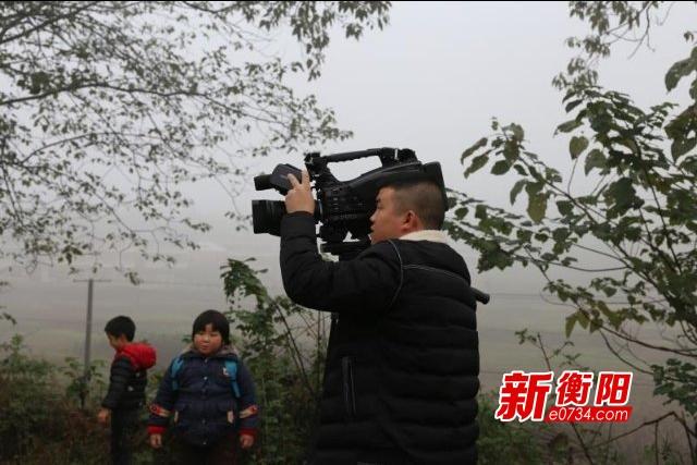 【记者·记着】从摄像师到文字记者 记着我的初心