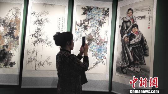 第十四届海峡两岸书画名家作品展海口开展