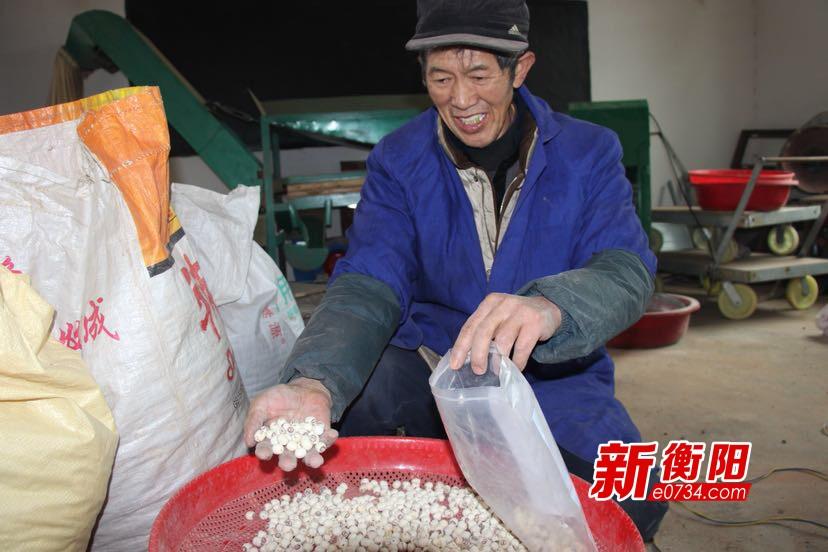 脫貧攻堅:萬龍村發展產業扶貧讓脫貧路走得更穩