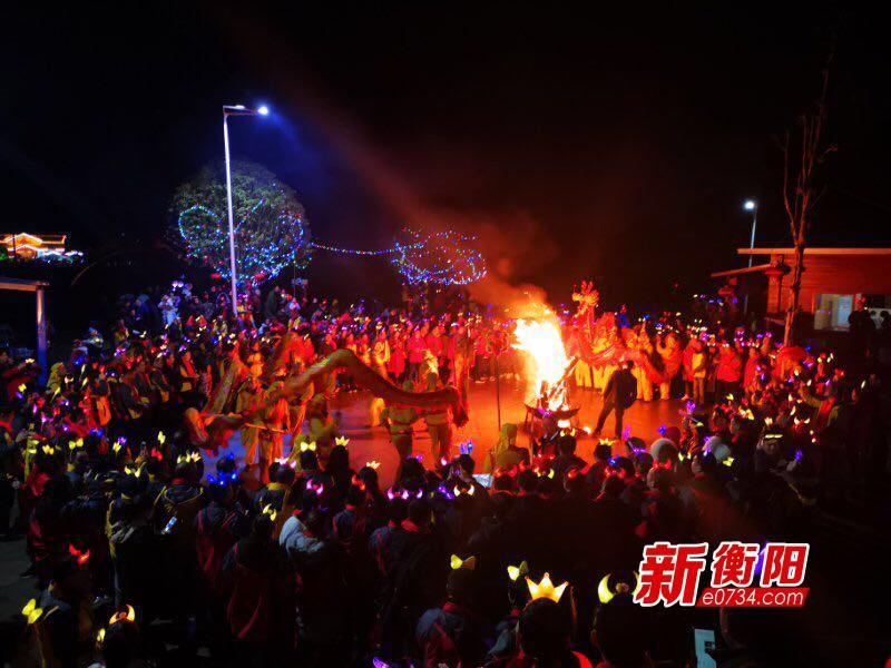 600余游客齐聚南岳红星村 体验原汁原味农家年俗