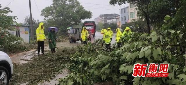 常寧公安全警參戰抗洪救災  救助群眾400余人