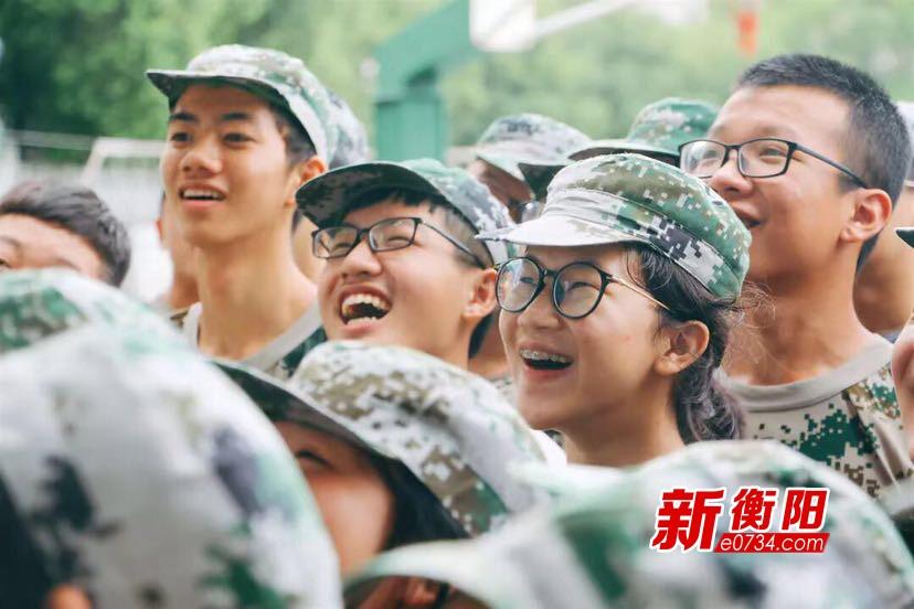 开学第一课:衡阳市八中2019级新生军训结业