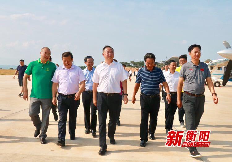 郑建新:打造一流的通用航空基地和航空小镇