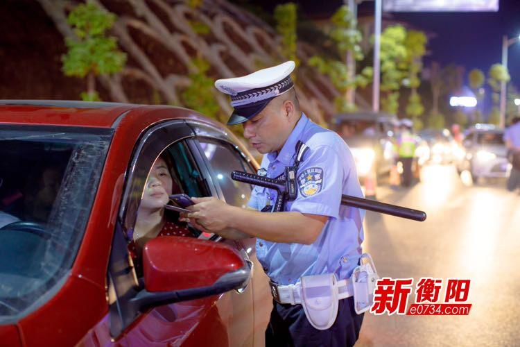 九月份衡阳县交警共查处各类交通违法行为735起