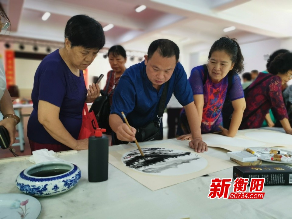庆祝新中国成立70周年:蒸湘区举行书画作品联展