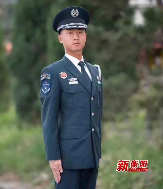 骄傲!衡阳警备区帅小伙亮相国庆阅兵文职人员方队