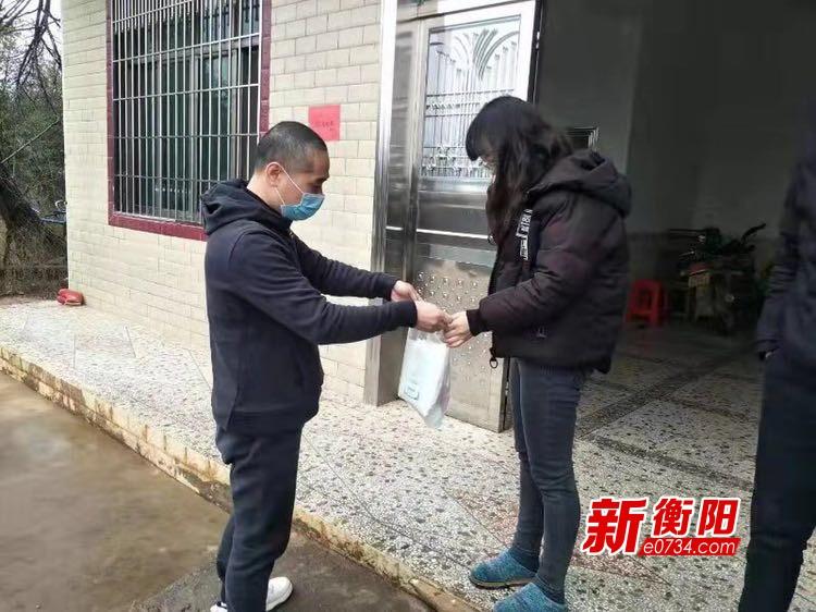 """衡东县霞流镇""""两新""""党组织投身防疫一线践行初心"""