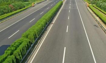 五一假期小车免费通行湖南高速公路 28日午后起车流攀升