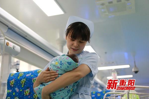 【厉害了 护士们】新生儿重症监护室里燃起的希望