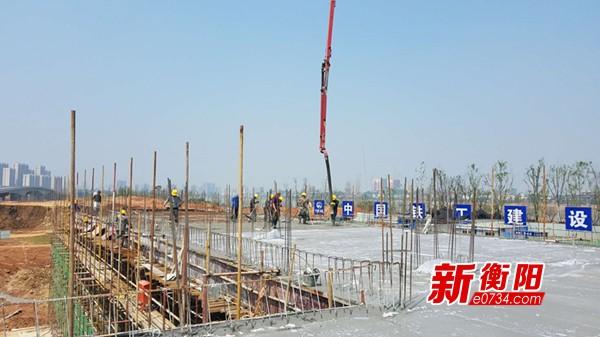喜迎省运会:皮划艇、赛艇基地主楼已完成封顶