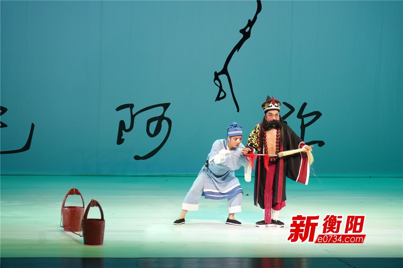 衡阳市跨界融合舞台剧《新醉打山门》成功首演
