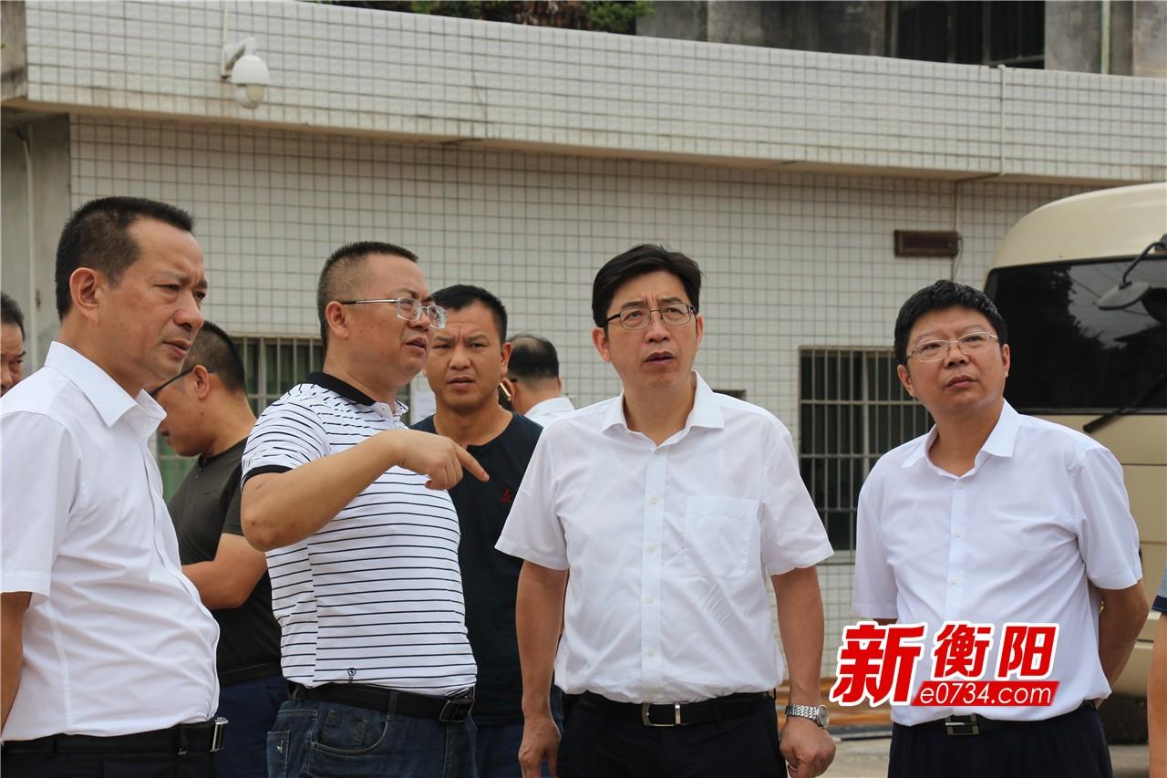 邓群策赴衡山县督查调研环境保护和脱贫攻坚工作