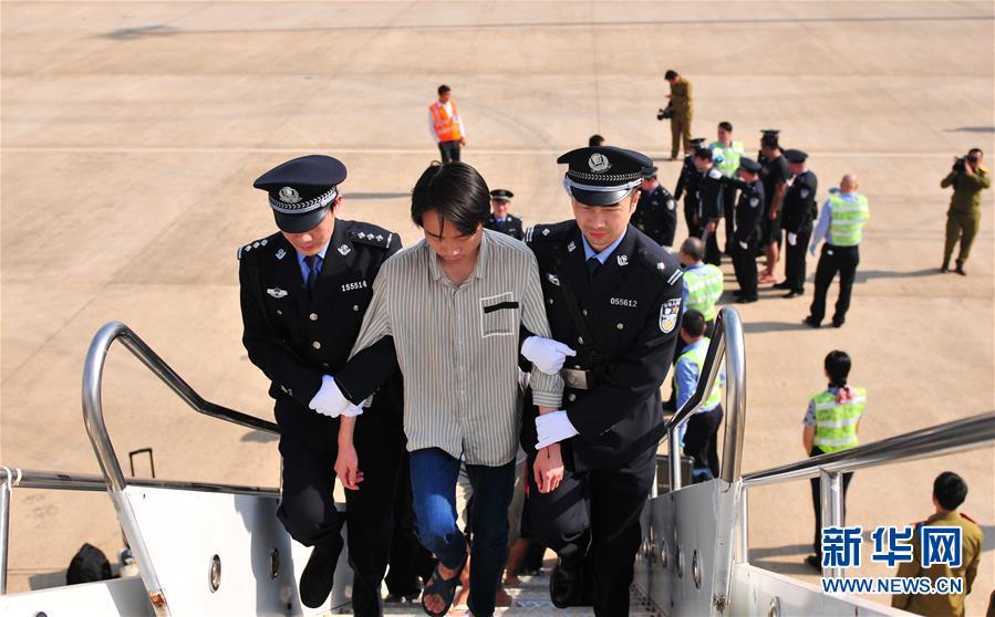(国际)(2)老挝警方向中方移交联合侦破电信诈骗案191名犯罪嫌疑人