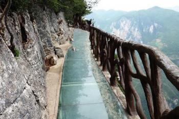 湖南规范景区玻璃桥(栈道)建设 不得先建后批、边建边批