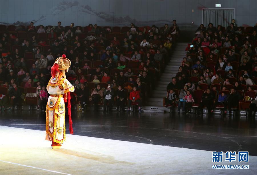 (文化)(5)上海:儿童走近传统戏曲