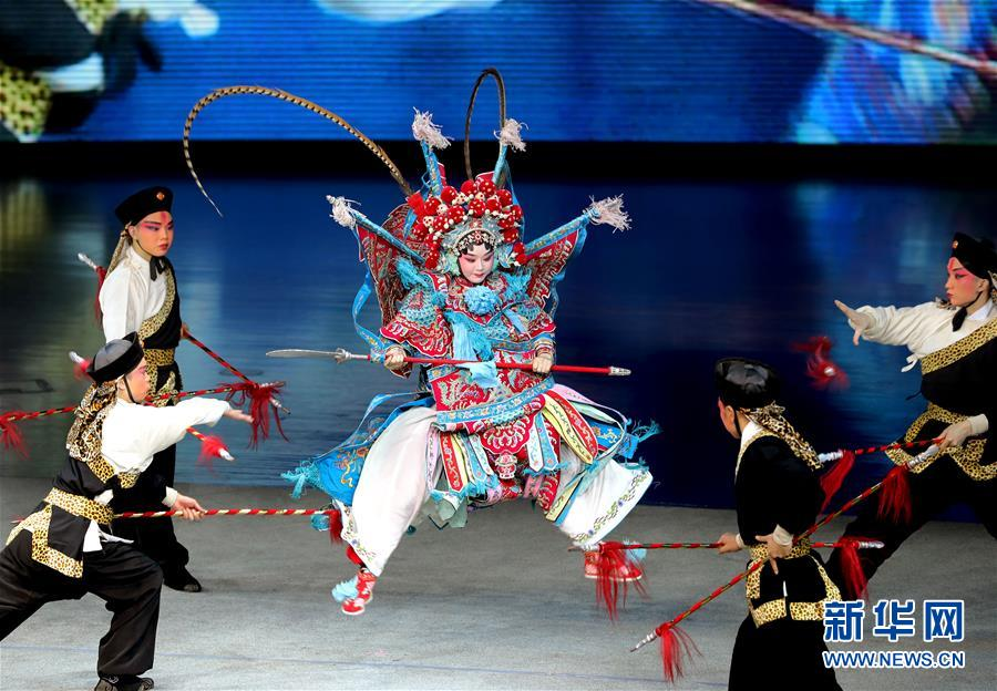 (文化)(4)上海:儿童走近传统戏曲