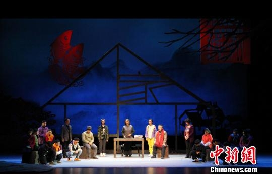 以传统戏曲讲传承故事 柳腔现代戏《家风》登台