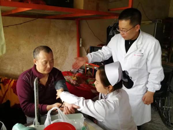 医疗扶贫在行动:衡阳市中心医院赴衡阳县三湖镇联洋村开展义诊活动