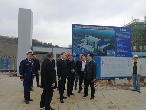 衡山县委书记尹培国率队对在建工地开展消防安全检查