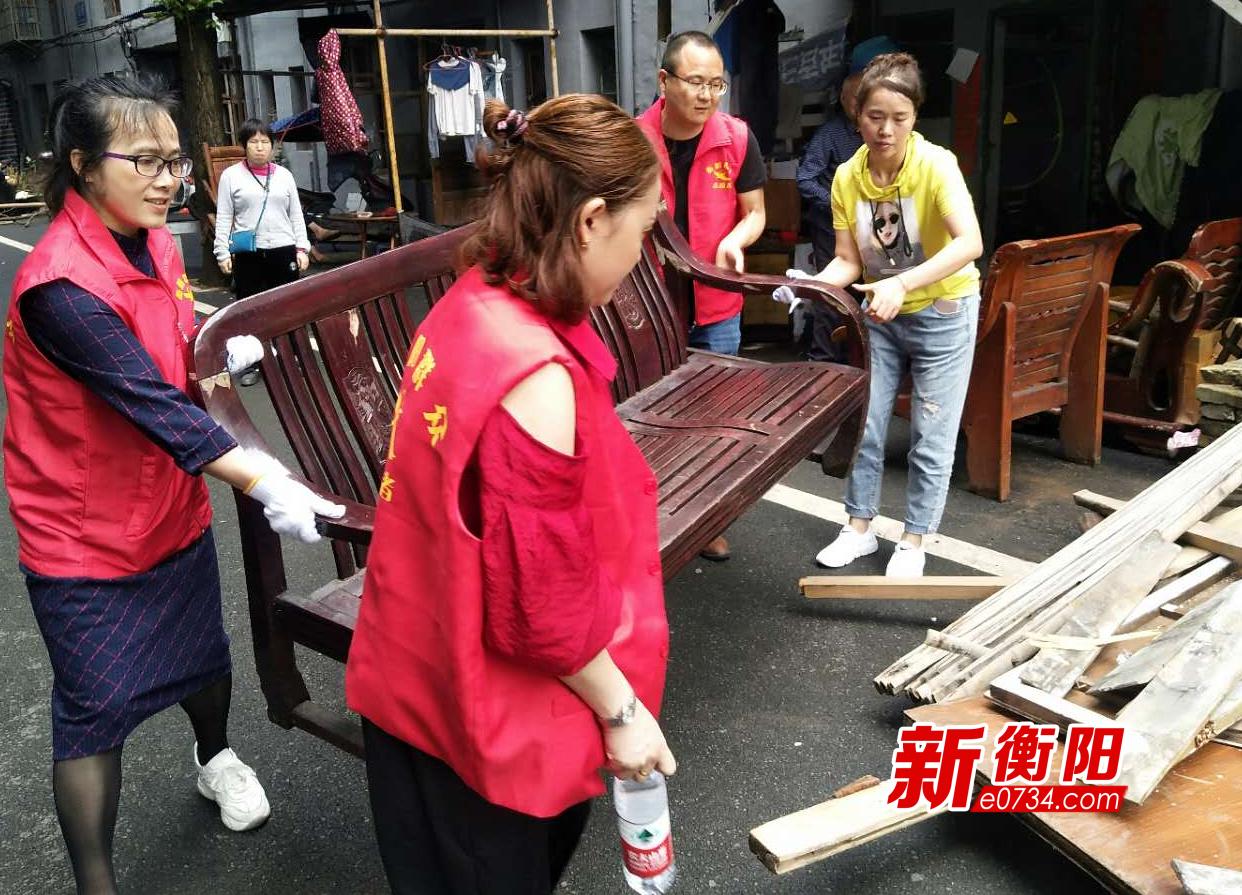 创卫进行时: 珠晖区东风街道拉网式整治环境卫生