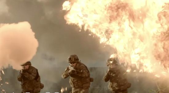 太炸了!《中国军人24小时》,每一刻都是热血海报!