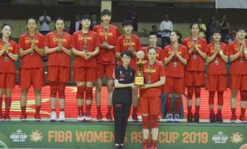 中国女篮鏖战负苦主 日本队亚洲杯三连冠
