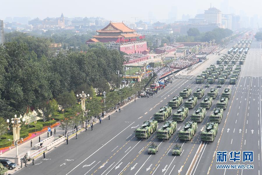 鐵流滾滾,向著勝利的方向——國慶70周年閱兵裝備方隊受閱側記