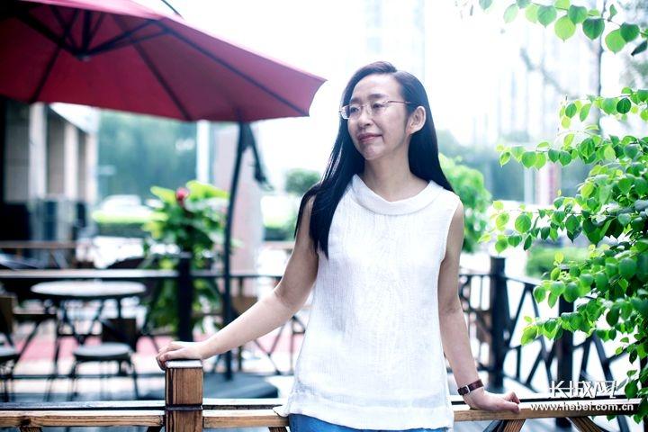 幽燕出版诗集《脸盲症》