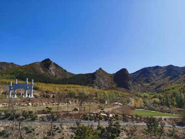 【见证七十载·草原新发展】壮美马鞍山,喀喇沁的绿色名片