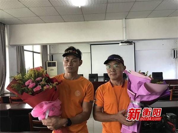 """耒阳俩小伙成功挑战""""超级马拉松"""" 从东莞""""跑回家"""""""