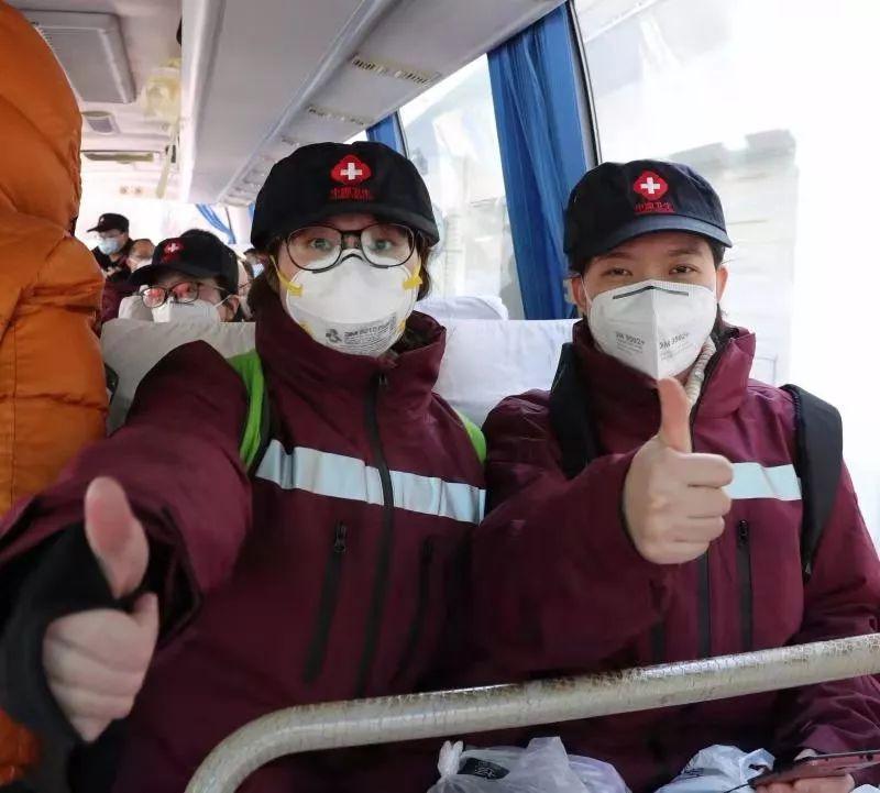 """【你有多美】""""我的姐姐上战场了""""——中日医院手术室护士日记"""
