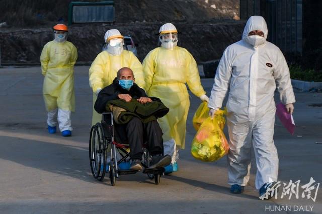 奋力ㄨ夺取疫情防控和经济社会发展双胜利