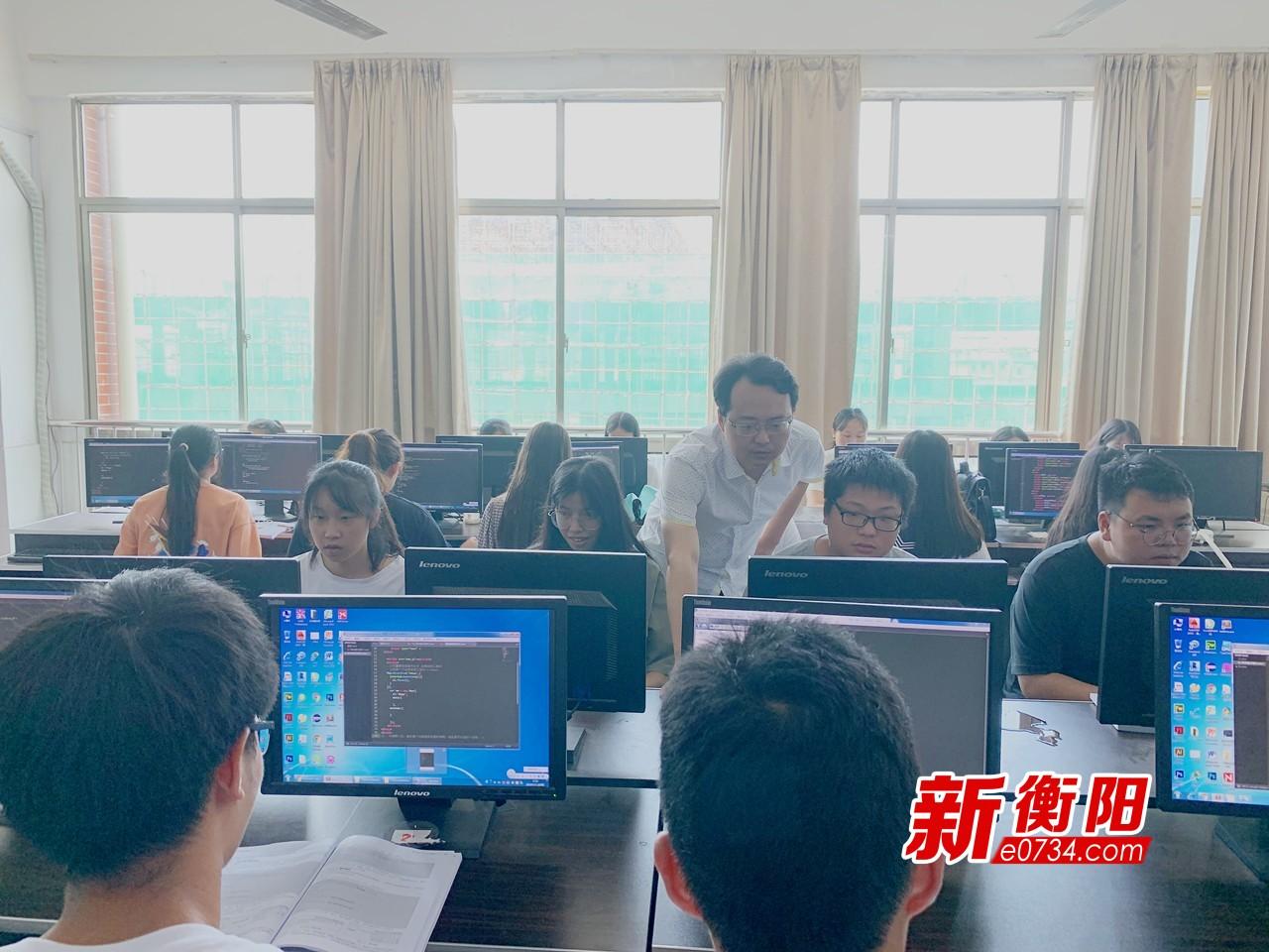 湖南财工院教师阳敏辉:不忘初心 做纯粹的教育人