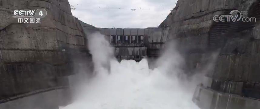 乌东德水电站每年节约标准煤1220万吨 清洁水电输送南方电网